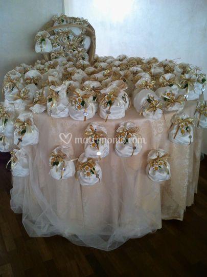 Confettate e tavoli bomboniera