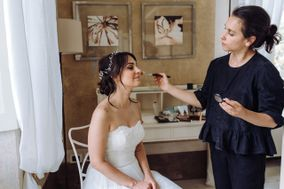 Amanda Tironi Hair & Make-up Artist