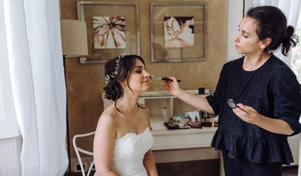 Amanda Tironi Hair & Make-up Artist