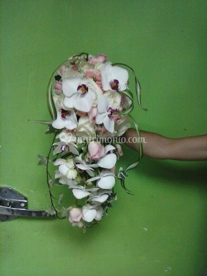 Bouquet pentente rose orchidea
