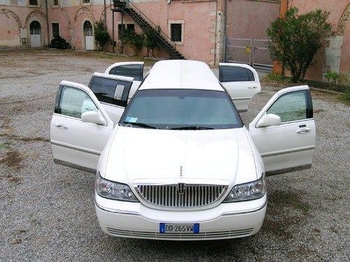 Noleggio limousine x matrimoni