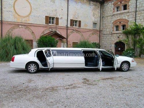 Noleggio limousine Lucca