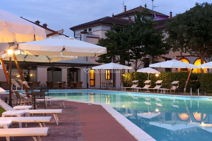 Hotel villa dei tigli 920 liberty resort - Liberty piscina cagliari ...