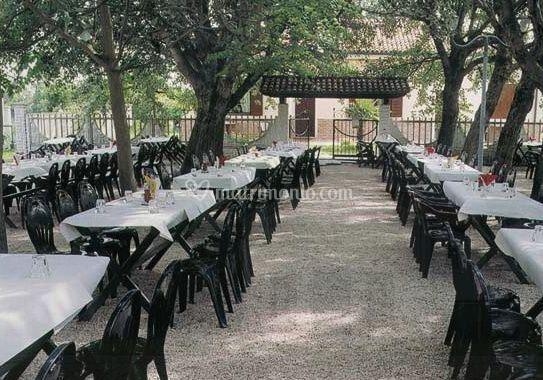 Trattoria alle vignole - Allestimento giardino ...