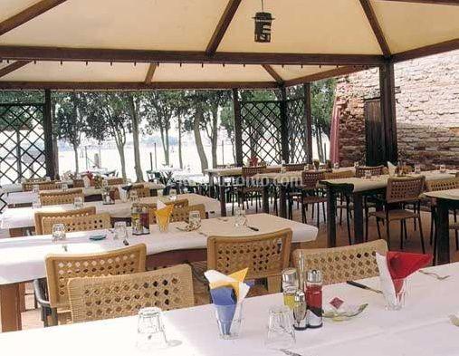 Tavoli in terrazza di Trattoria alle vignole | Foto 9