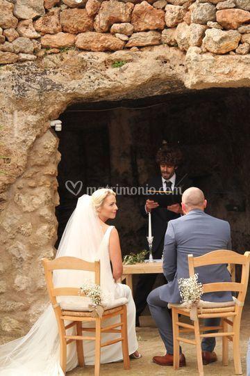 Ceremony in grotta