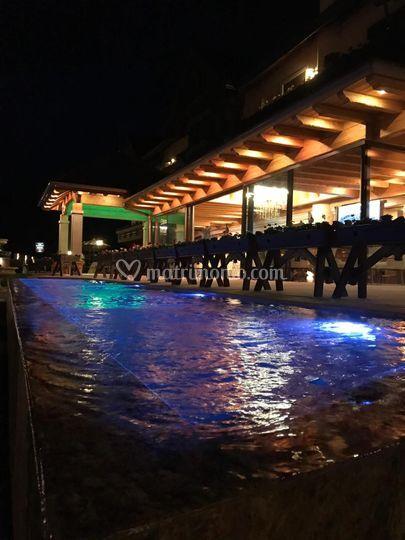 Lounge Bar e Piscina Esterna