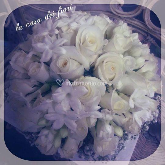 Rose e stefanotis