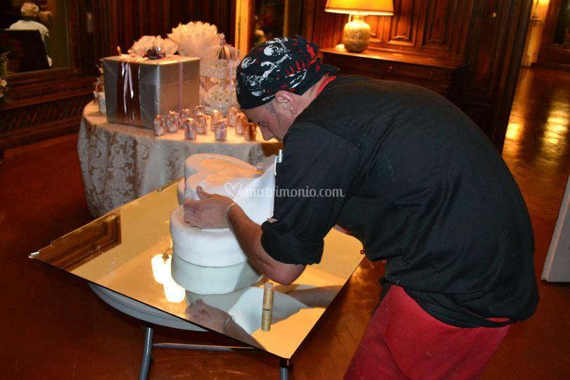 Preparazione della wedding cake