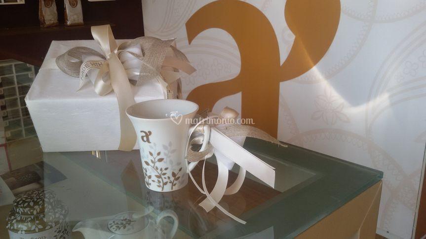 White mug in porcellana