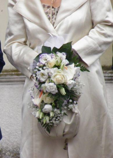 Bouquet Cascante con Lisianthu