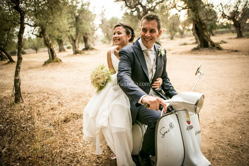 Gli sposi in Vespa