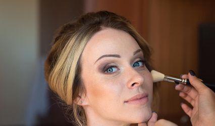 Claudia make-up 1
