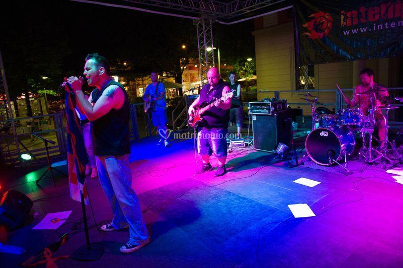 Intemperia cover band