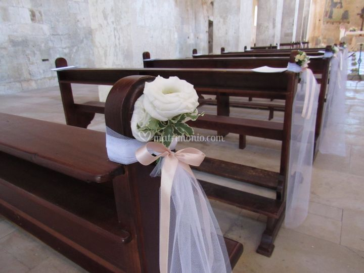 Noleggio banchi chiesa