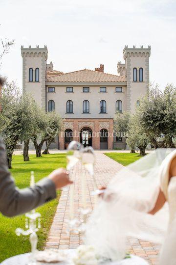 Brindisi elopement