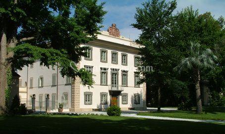 Fronte villa di Villa del Lupo