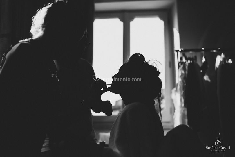 Bride makeup in silhouette