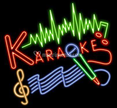 Possibilità di karaoke e animazione con migliaia di basi