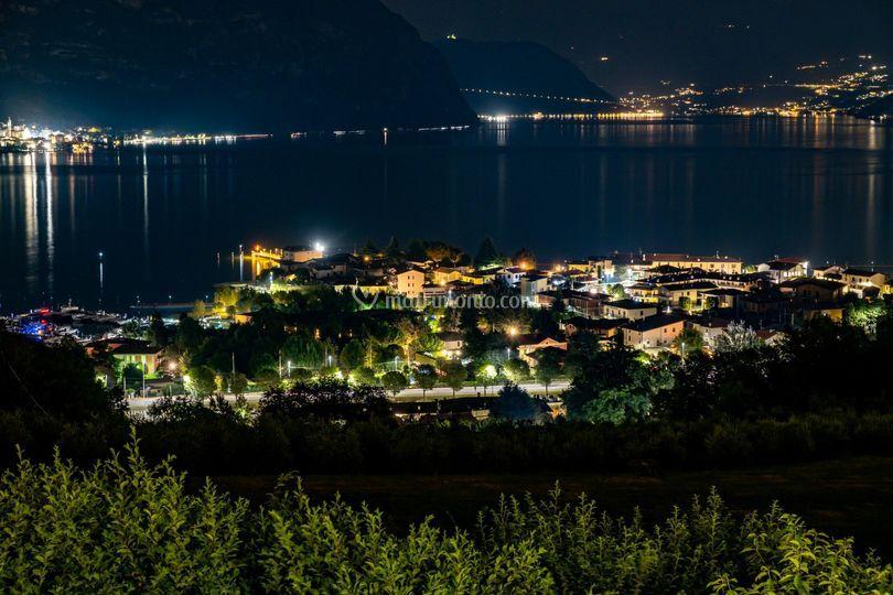 Il lago di notte