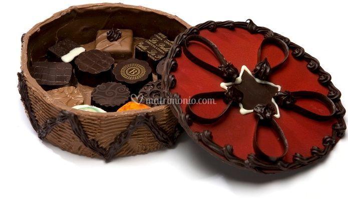 Scatotal di cioccolato con cioccolatini
