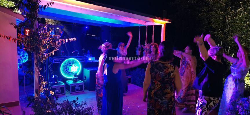 Festa di matrimonio con luci