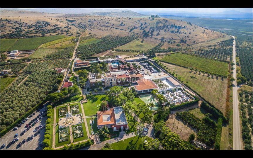 How big  is Villa Carafa?