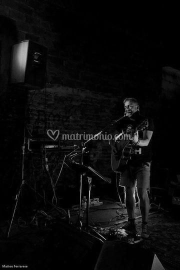 Blues man voce chitarra