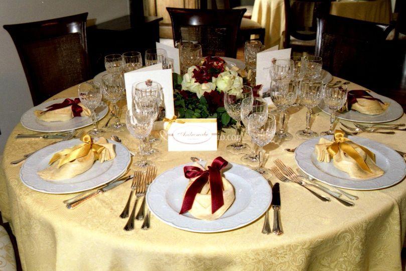 Tavolo in attesa degli ospiti