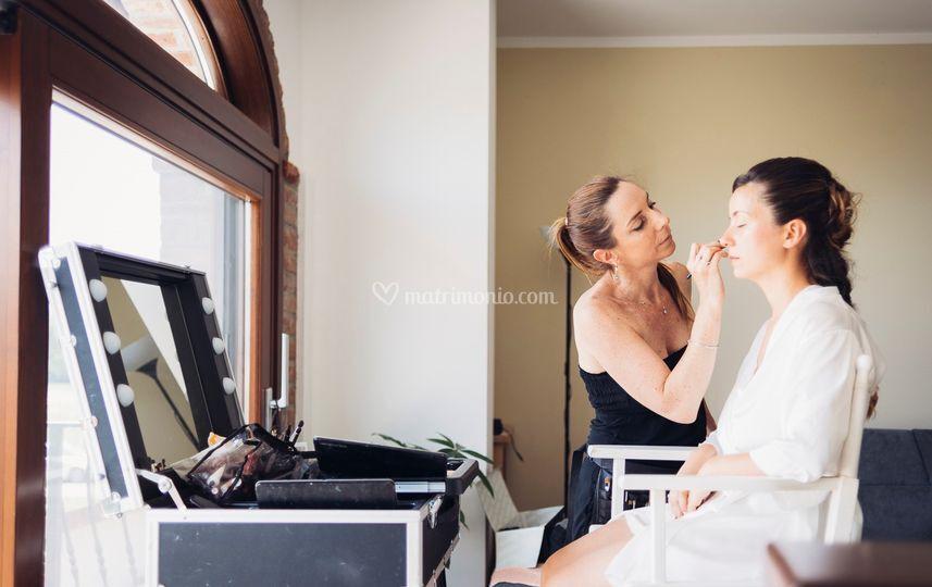 Luciana Lapique Makeup Artist & Hairstylist