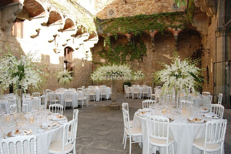 Tema Matrimonio In Un Castello : Evento business a tema di tuscan party foto