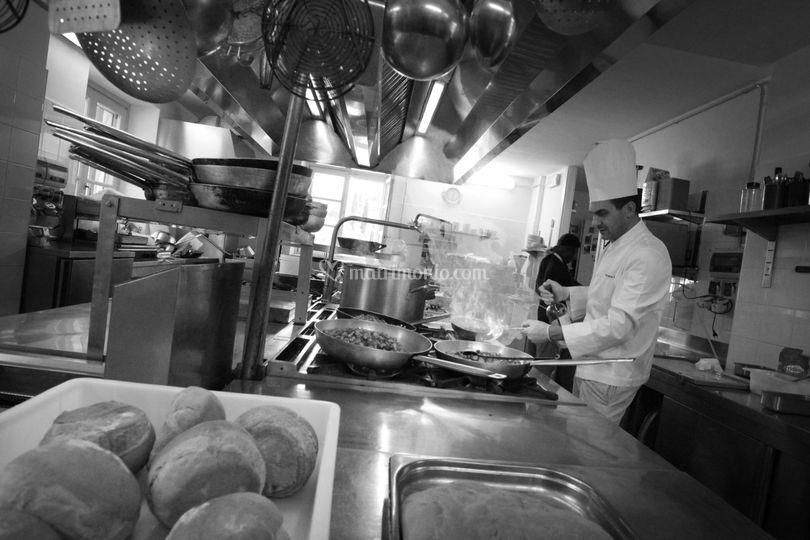 La cucina di ristorante tana d 39 orso foto 36 for La cucina di altamura varese
