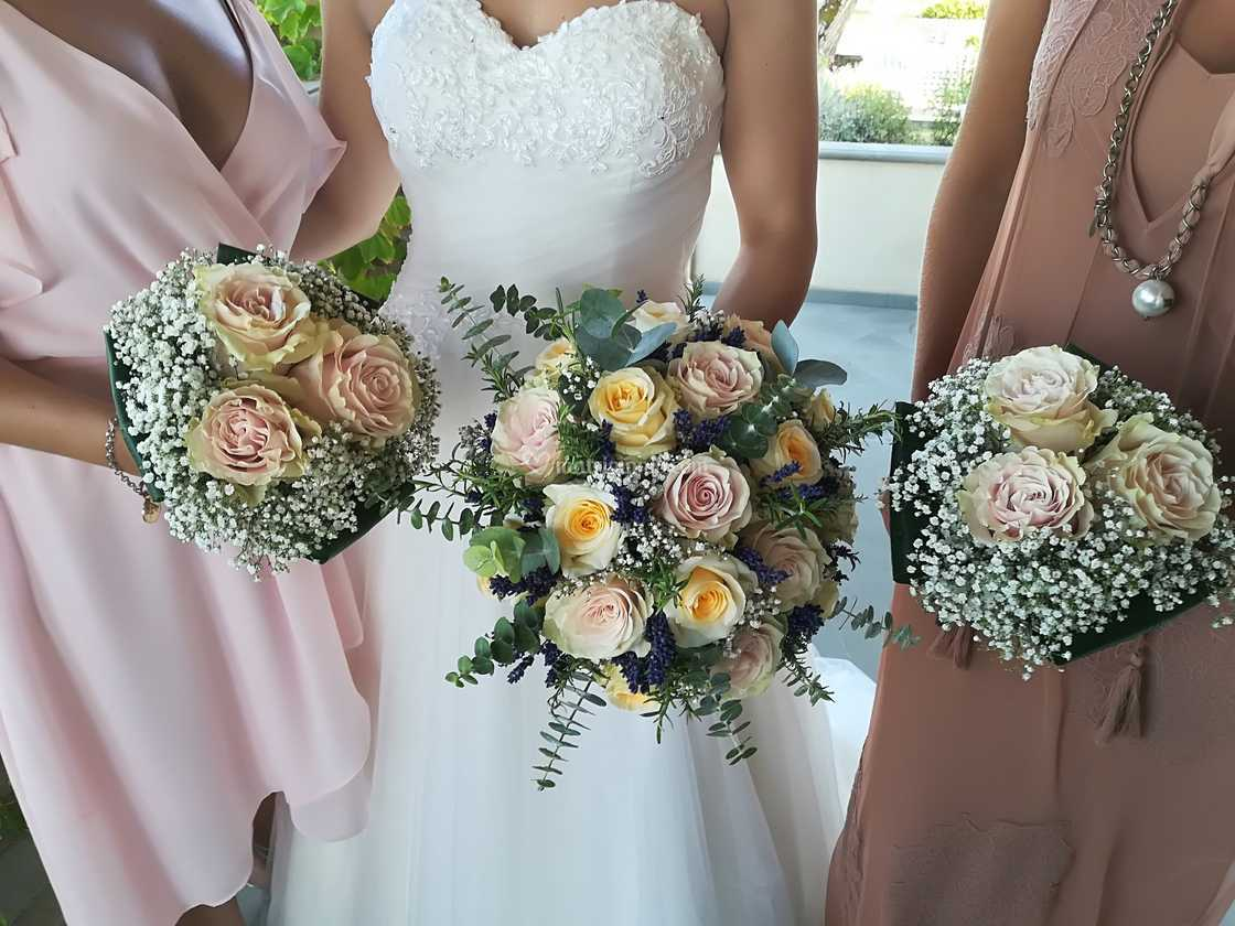 Bouquet Sposa E Damigelle.Bouquet Da Sposa E Damigelle Di I Fiori Di Nadia Foto 143
