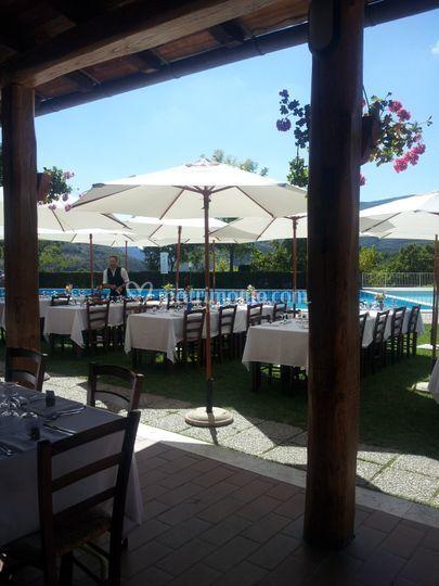Azienda agricola il collaccio for Matrimonio bordo piscina
