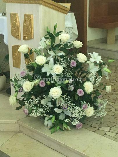 Un matrimonio bianco e lilla