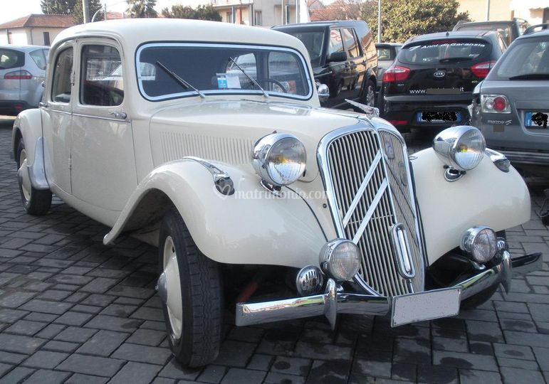 Traction Avant bianca