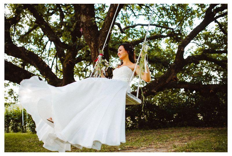 Sposa sull'altalena