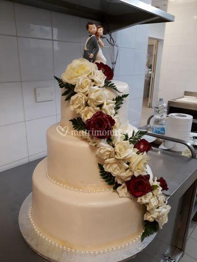Torta Nuziale con cascata