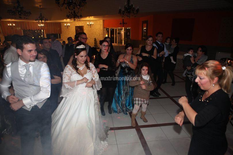 Gloria e i balli di gruppo