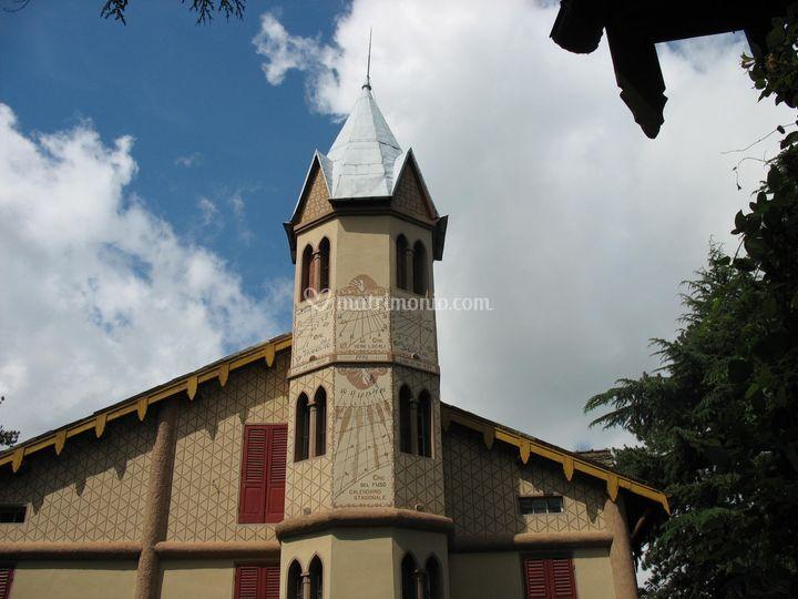 Villa crocioni - facciata sud con meridiane