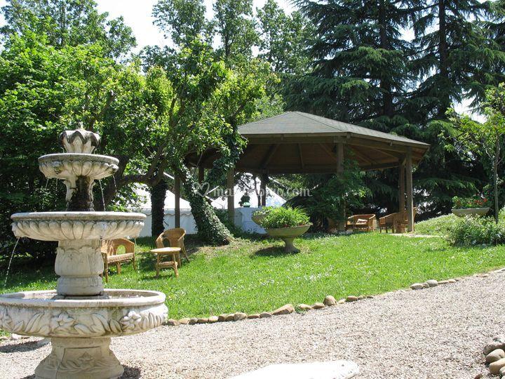 Villa crocioni - giardino e fontana
