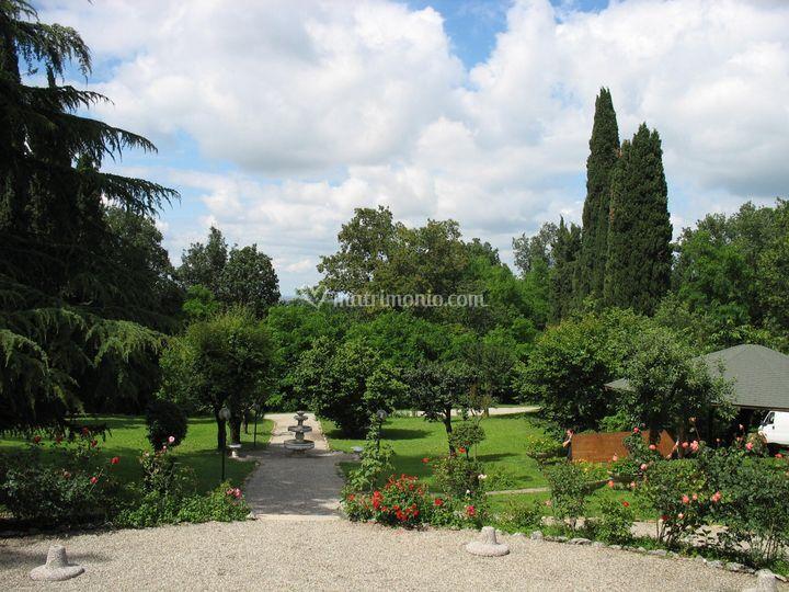 Villa crocioni - giardino, vista verso la pianura
