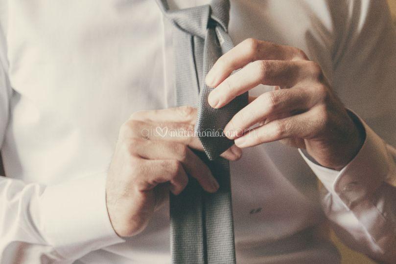 Fotografie preparazione sposo
