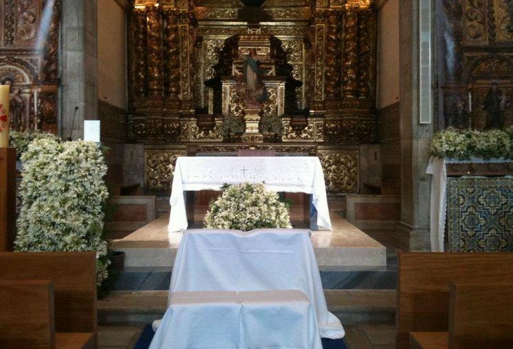 Decorazioni floreali per le chiese