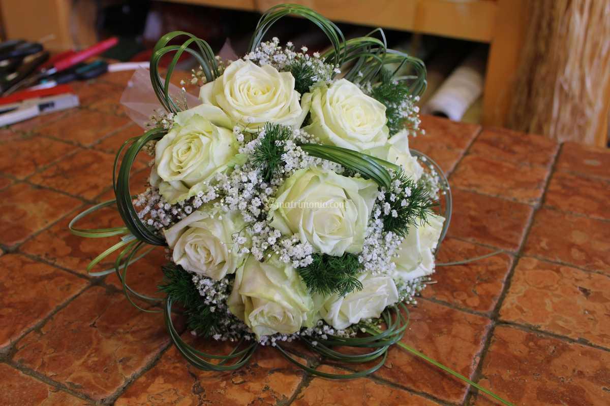 Bouquet Sposa Bianco.Bouquet Sposa Bianco Di Fioreria La Magia Del Fiore Foto 4