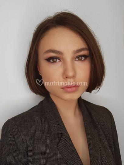 Simple and gorgeus makeup