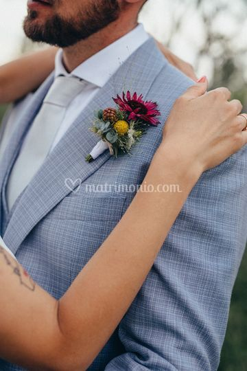 Dettaglio boutonniere sposo