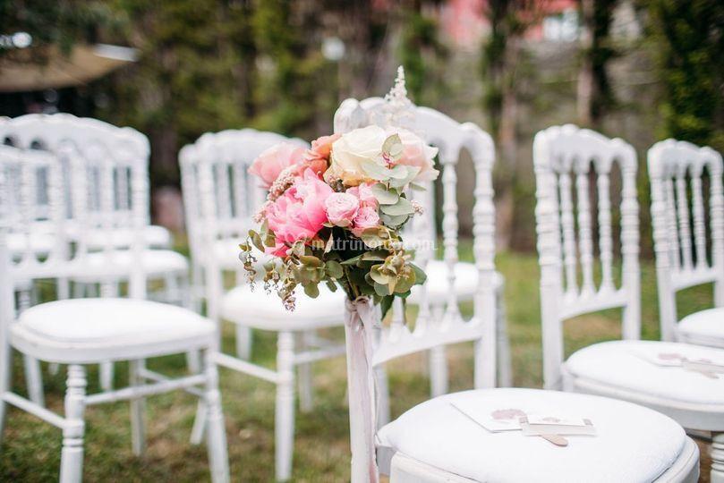 Dettagli floreali sedie