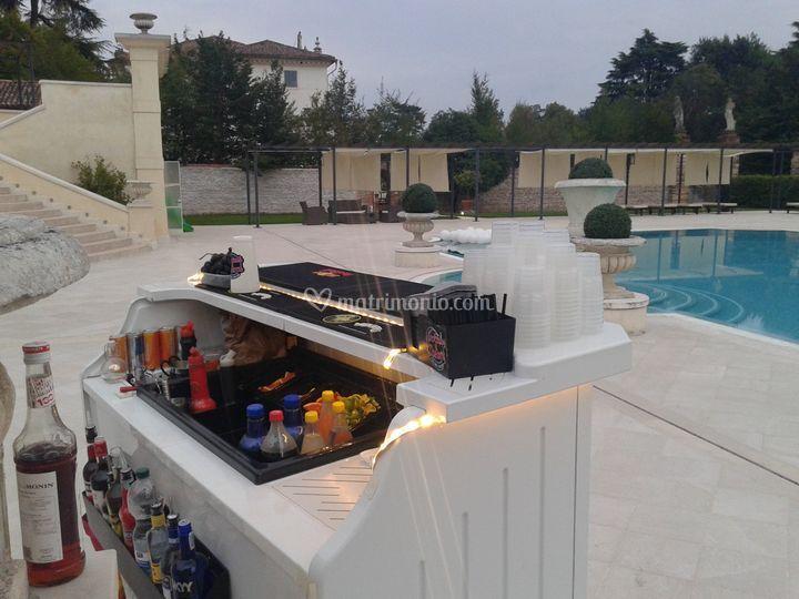 Aperitivo in piscina