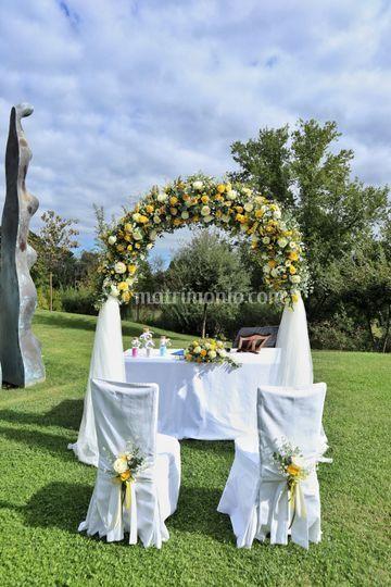 Arco floreale cerimonia civile